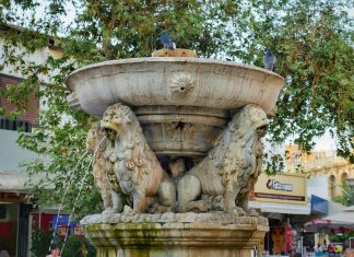 Lion Fountain Heraklion Crete