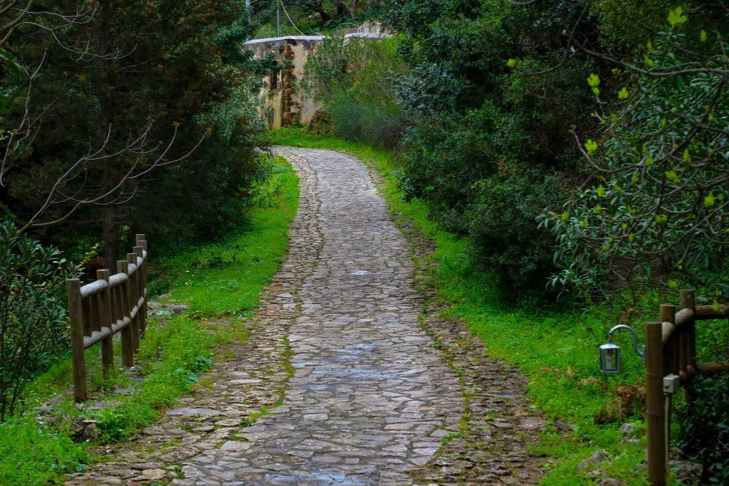 Seven Children Cave Chania Crete allincrete.com