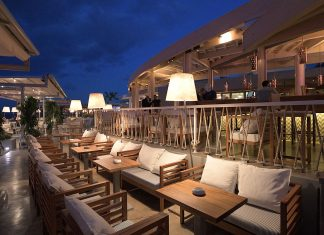 Beachcomber Bar & Restaurant Stalida Crete - allincrete.com
