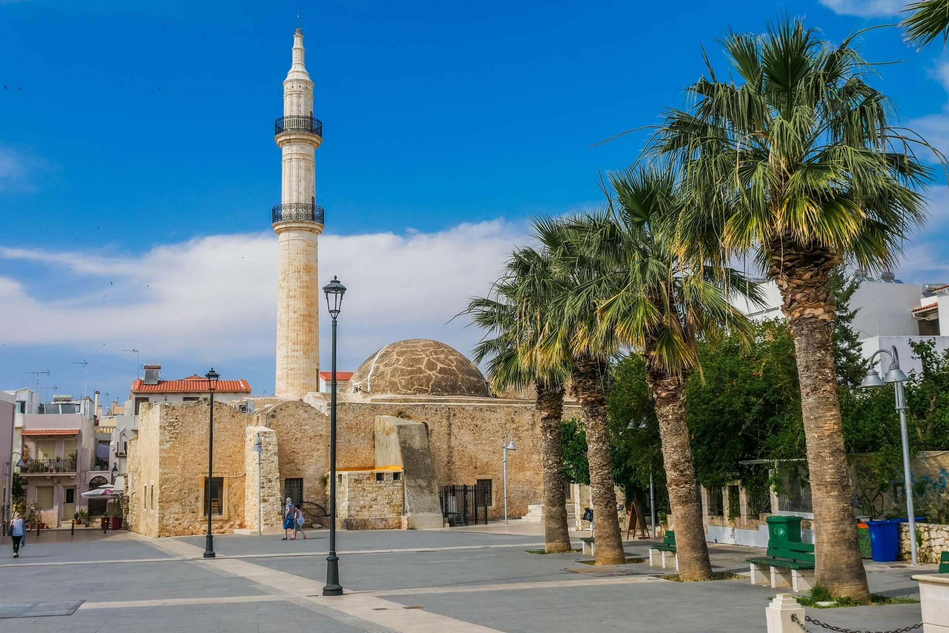 Mikrasiaton Square in Rethymno Town Crete Creta Kreta - Copyright Allincrete.com
